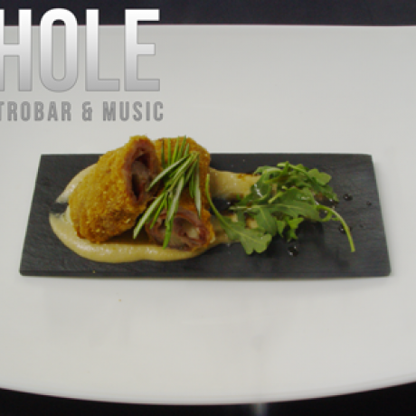 The Hole Gastrobar Lounge