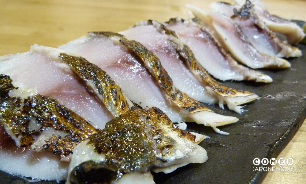 Aburi shimesaba (caballa flameada)
