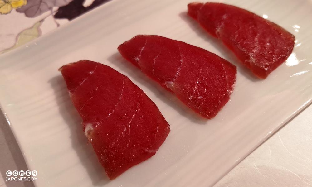 Sashimi de lomo de atún curado y fermentado
