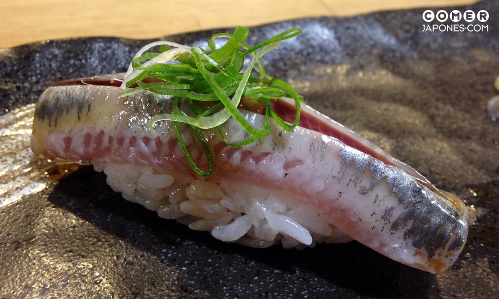 Iwashi nigiri (nigiri de sardina)