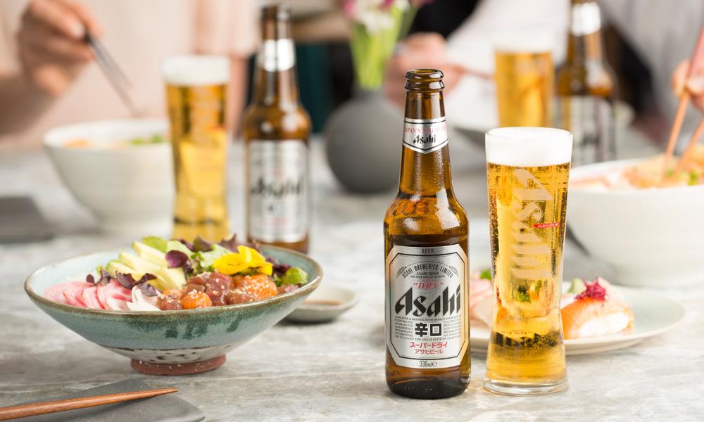 Asahi Super Dry con chirashizushi