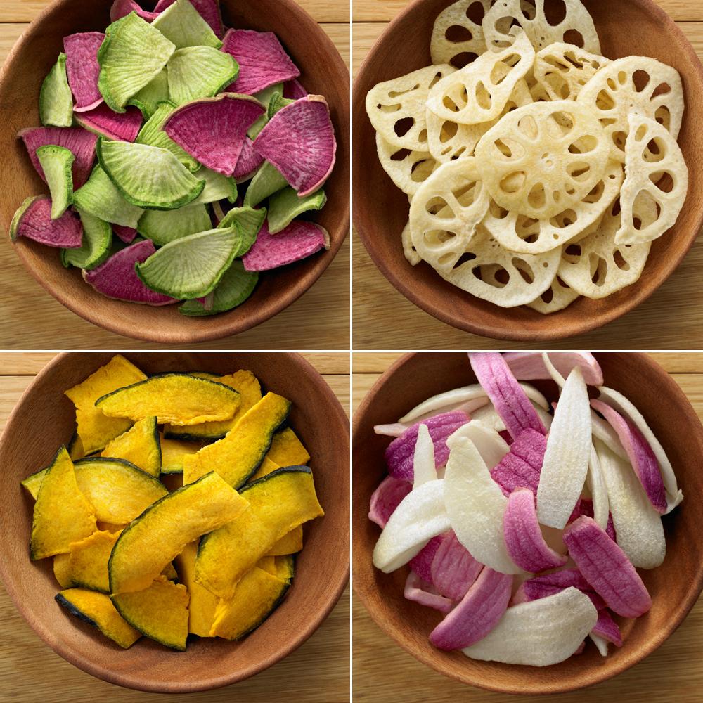 Snacks MUJI de rábano, raíz de loto, calabaza y cebolla.