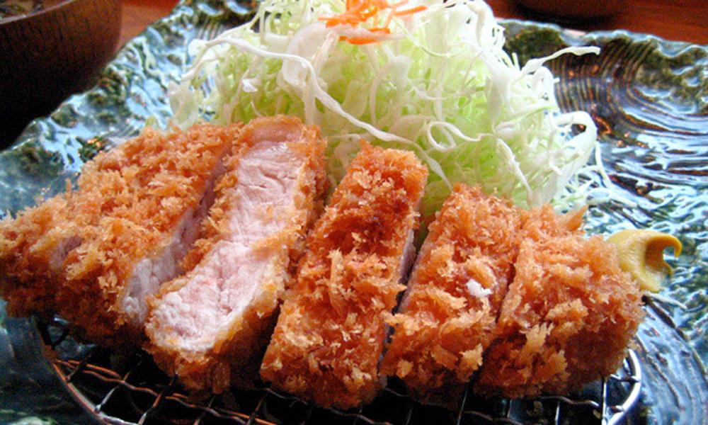 Tonkatsu o chuleta de cerdo empanado