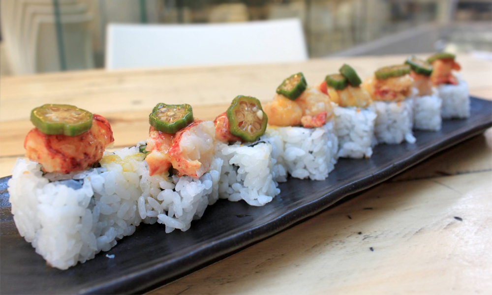 Uramaki de bogavante restaurante Momiji (Valencia)