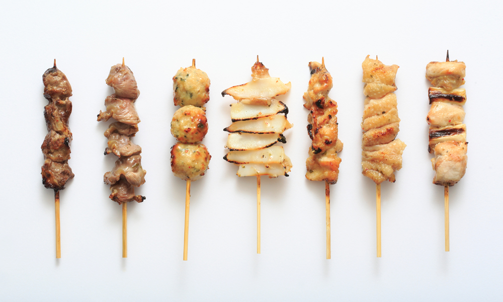 Yakitori o brochetas de pollo (receta)